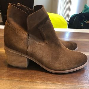 bd295cfaae0 bp Shoes - BP Brice Notched Bootie in Cognac Suede